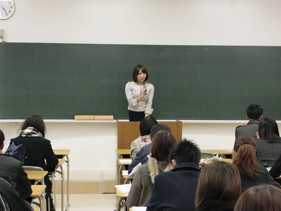 岡田千春さん講義風景